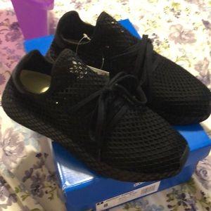New Adidas deerupt runner black